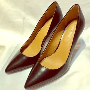 CALVIN KLEIN GAYLE POINTY SHOES